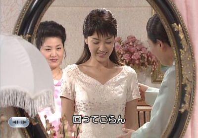 1話婚約式のドレス