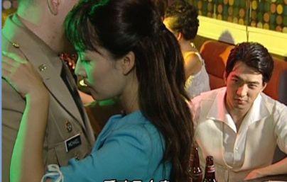 マイケルとイヤイヤ踊るエリム