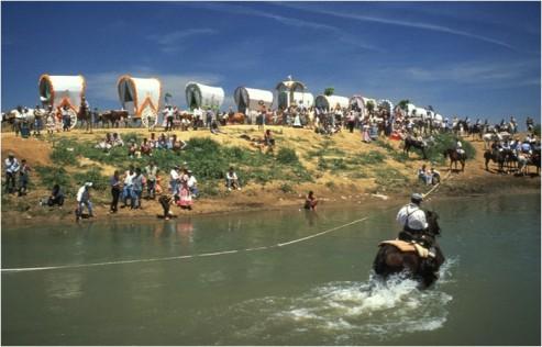 ロシオ祭りの幌馬車巡礼