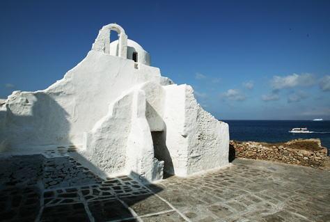 ミコノスの丘の教会