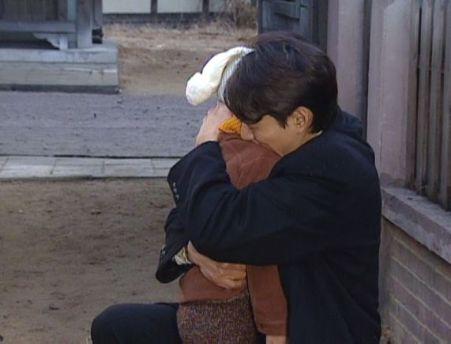 A人生15606 ソンジェを抱きしめるヒョンシクa