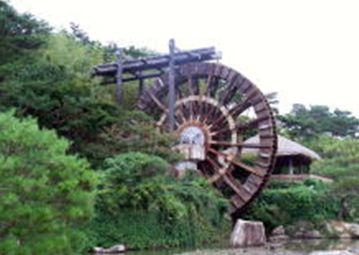 慶州に旅行したときの 大きな水車