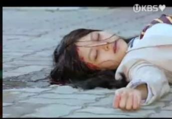 B高校2年生のキム・ソヨン飛び降り自殺